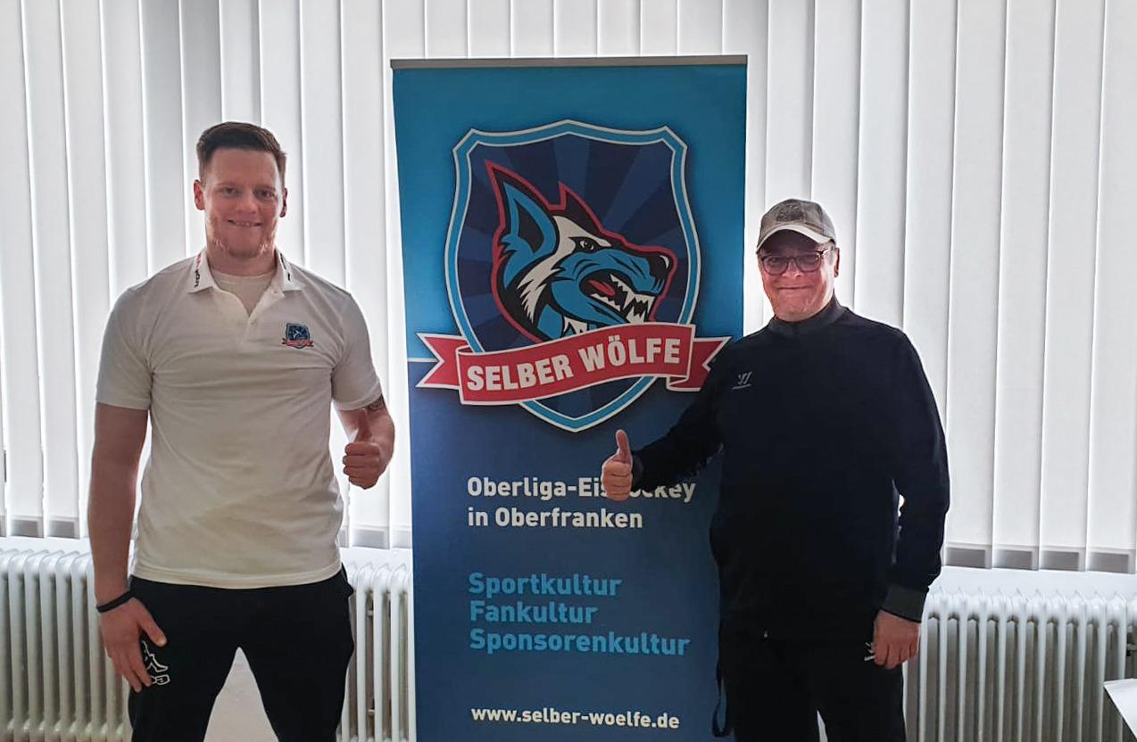 Deutsch-Tscheche Jan Hammerbauer Neu Im Wölfe-Angriff
